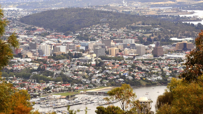 The Tasmania state capital of Hobart from Mt Nelson Saturday, March 2, 2008.   (AAPImage/Alan Porritt) NO ARCHIVING